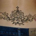 Mehndi designs for lower back